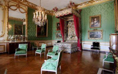 L'appartement du Dauphin au Château de Versailles fait peauneuve