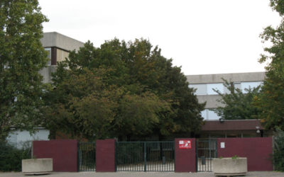 Saturé, le Lycée François-Villon des Mureaux entre engrève
