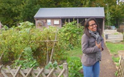 Audrey Pulvar en visite aux jardins pédagogiques Equalis aux Mureaux