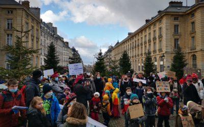 Des parents, demandant la «liberté d'instruction», ont manifesté àParis