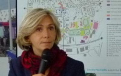 Visite de la présidente de la Région Île-de-France sur le site Dunlopillo deLimay