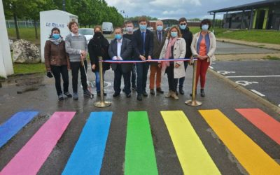 Verneuil a inauguré un passage piéton arc-en-ciel à l'occasion de la Journée mondiale de lutte contre l'homophobie